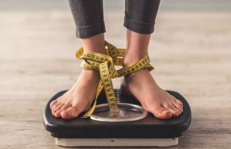 7 Strategi Ampuh Untuk Menurunkan Berat Badan Saat Puasa
