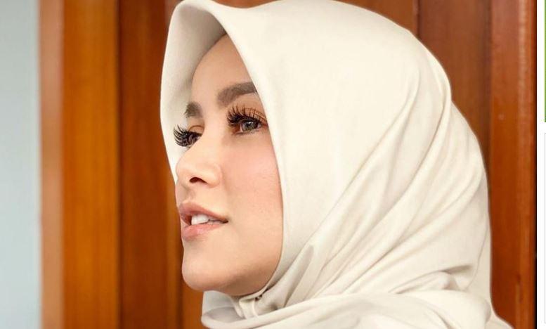 Olla Ramlan Berniat Pakai Hijab Sejak 5 Tahun Lalu