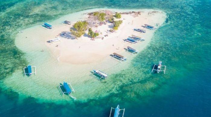 Gili Kedis Pulau Kecil Yang Menawan Hati