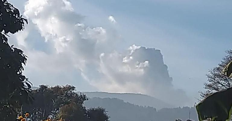 Gunung Tangkuban Parahu Subang Jawa Barat Erupsi