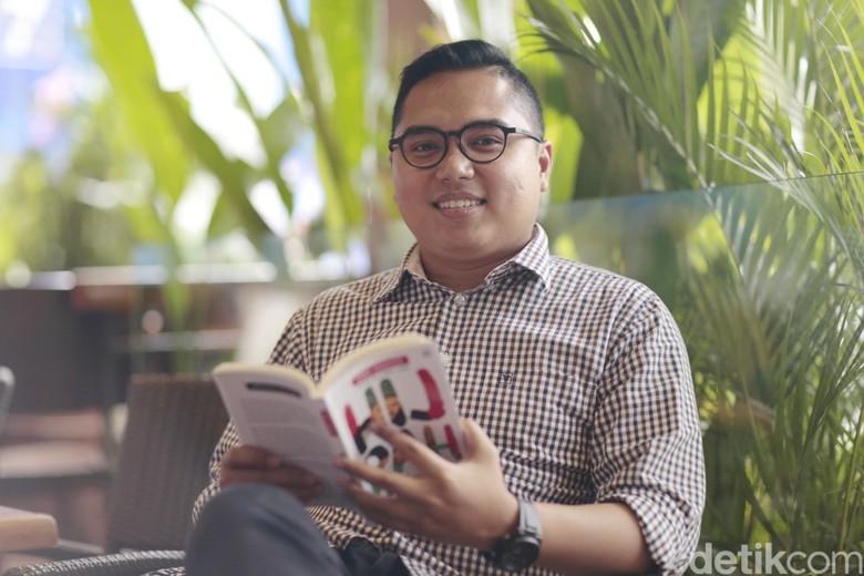 Pengusaha Muda Terbitkan Buku Untuk Semangati Anak Muda