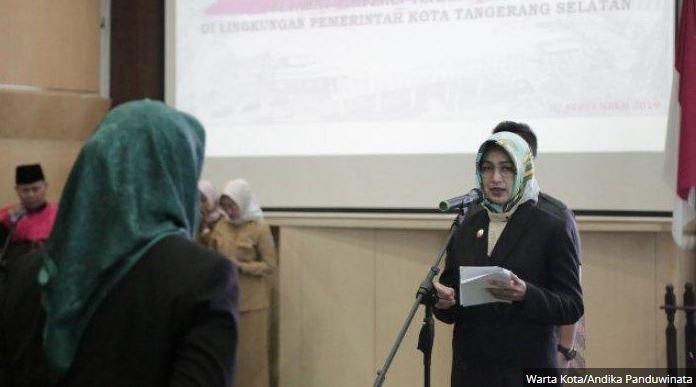 Airin Rachmi Wali Kota Tangsel Melantik Pejabat Dinas Koperasi Dan Satpol PP Tangsel
