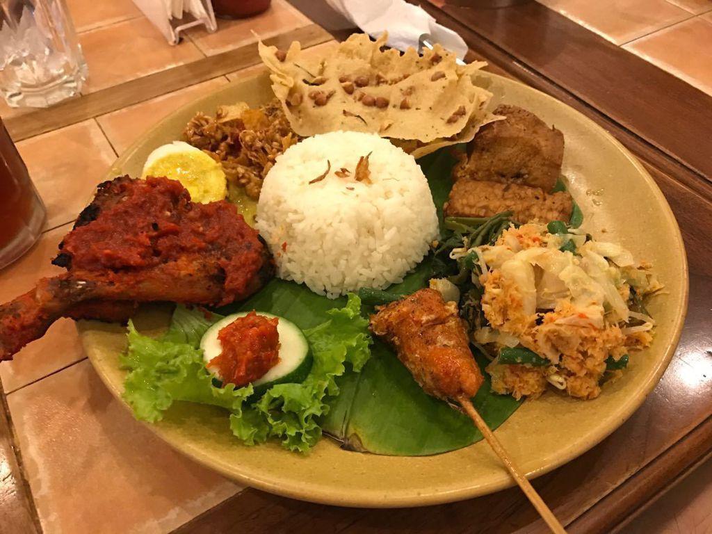 Daftar Nasi Uduk Favorit Tangerang Selatan
