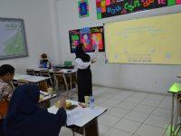 Siswa SMPIT Auliya Kerahkan Daya Pikir Analisis Dengan Penelitian