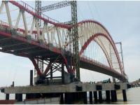 Ada Rumah di Tengah Proyek Pembangunan Jembatan Yang Hampir Jadi