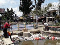 Mataram Ada Sampah di Selokan, Keraton: Pemerintah Kabupaten (Pemkab) Harus Tanggung Jawab
