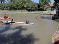 Di Jambi Seorang Remaja Hanyut Terseret Banjir