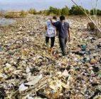Di Muara Cisadane Tangerang Sampah Menumpuk