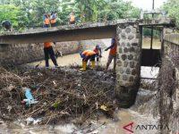 Madiun Bersihkan Sungai Untuk Mencegah Banjir
