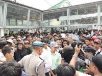 Para Pelajar Dari Berbagai Sekolah Yang Hendak Menggelar Demonstrasi Di Jakarta Tertahan Di Stasion Bogor