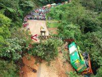 Longsor Di Malangbong, Arus Jalan Kendaraan Dialihkan