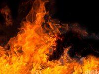 Pul Bus Primajasa Tangerang Selatan Kebakaran, 12 Mobil Pemadam Kebakaran Dikerahkan