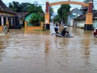 Akibat Banjir, Jalur Pantura Pasuruan Ditutup