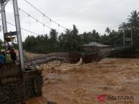2 Anak Meninggal Dunia Dalam Banjir YangTerjadi di Padang