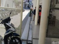Anak Sekolah TK Meninggal Terjepit Pintu Gerbang Otomatis Sekolah Di Bandung