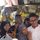 Kunjungi Pasar Jombang, Sandiaga Berinteraksi Dengan Para Pedagang