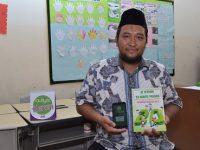 Guru SDIT AULIYA Membuat Aplikasi Untuk Mengenal Hadist