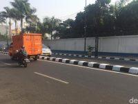 Pembatas Jalan Sempat Warna Warni, Kini Balik Lagi Jadi Hitam Putih