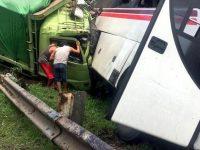 Kecelakaan Bus-Truk di Tol Cikampek Menelan 17 Korban, Korban Dirawat di RS Rosela