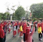 Rayakan Hari Guru Nasional LotteMart Bintaro Gelar Senam Sehat