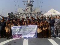 Yayasan Bakti Pemuda Ajak Anak Asuhnya Kunjungi KRI Sultan Hasanudin
